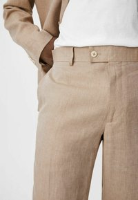 C&A - Spodnie materiałowe - beige - 3