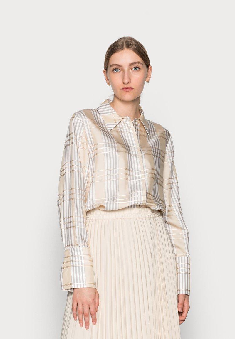 IVY & OAK - DARLA - Button-down blouse - beige