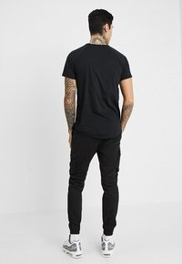 Pier One - Pantaloni cargo - black - 2