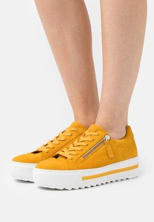 Trainers - mango