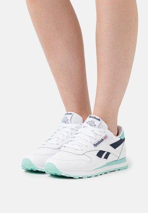 Sneakers laag - footwear white/pixel mint/vector navy