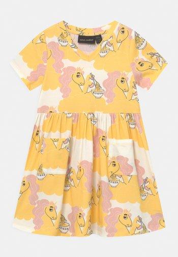 UNICORN NOODLES - Jerseykleid - yellow