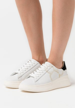 DOUBLE GALLERY - Sneakers laag - white/gold