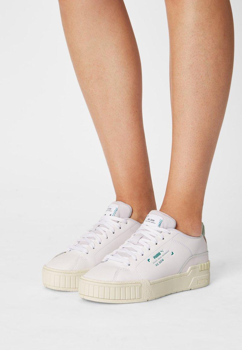 Puma - CALI SPORT CLEAN RE.GEN - Baskets basses - white/glacial blue