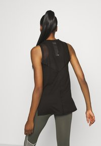 Puma - TRAIN PANEL TANK - Treningsskjorter - black - 2