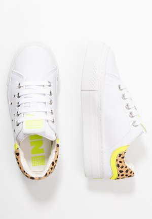 CLAYTON - Sneakers laag - white