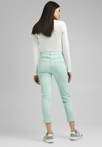 Esprit - MR CAPRI - Trousers - light aqua green - 2