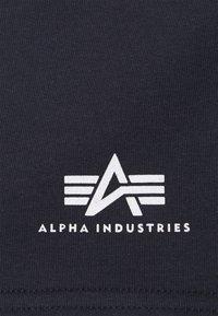 Alpha Industries - BASIC SMALL LOGO - Shortsit - blue - 2