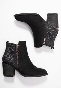 H.I.S - Kotníková obuv - black - 3