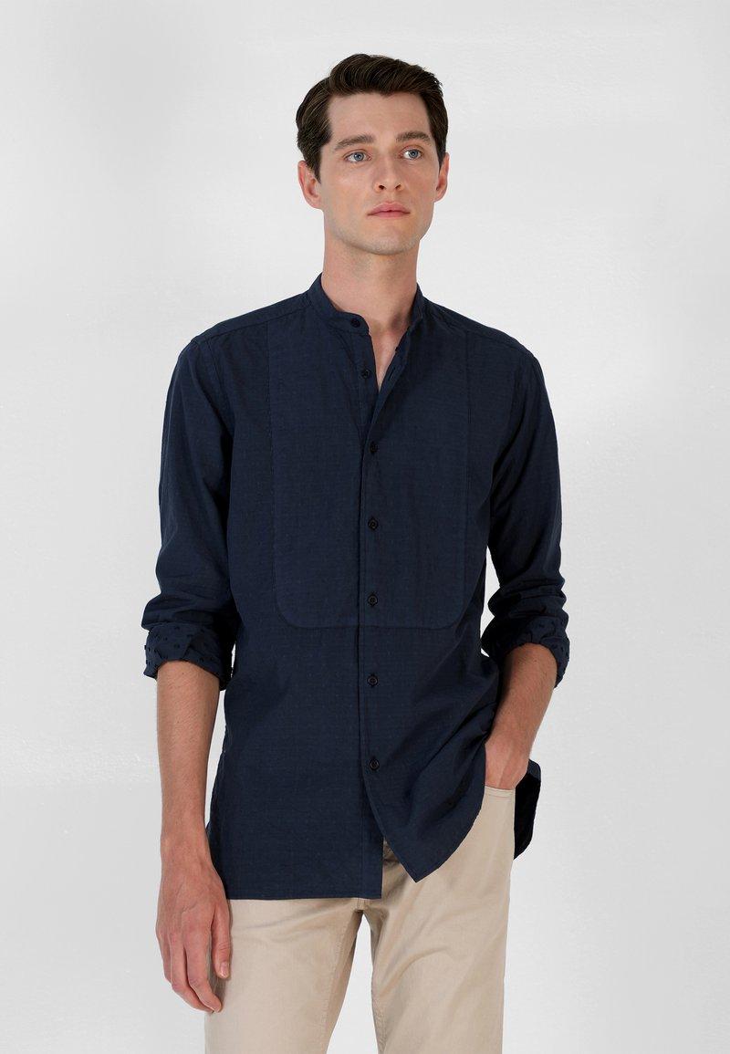 Scalpers - Shirt - navy