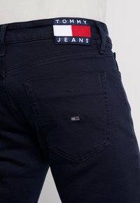 Tommy Jeans - SCANTON - Slim fit jeans - black iris - 4