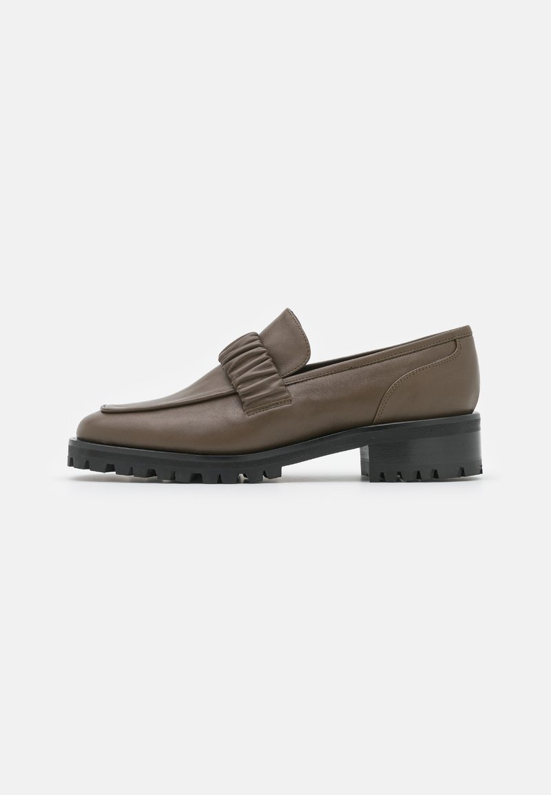 Elleme - EXCLUSIVE CHOUCHOU SQUARE LOAFER  - Slip-ons - stone