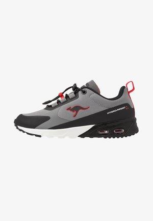 KX-HYDRO - Trainers - jet black/fiery red