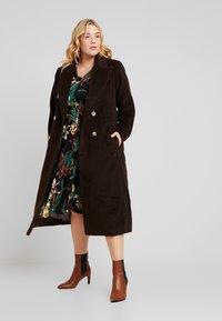 Dorothy Perkins Curve - FORMAL DRESS FLORAL - Jerseykjoler - black - 2