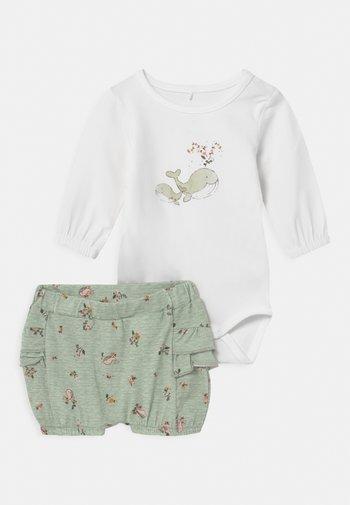 NBFFENJA SET - Shorts - bright white