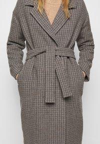 DESIGNERS REMIX - ISABELLE BELTED COAT - Klasický kabát - multi colour - 5