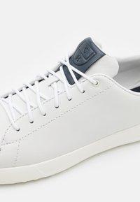 Cole Haan - GRANDPRO TENNIS  - Sneakers laag - white/navy ink - 5