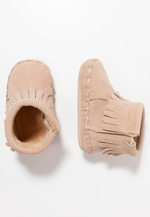 MOCCASIN BOOT - First shoes - tan