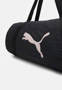 Puma - BARREL BAG - Treningsbag - black - 3