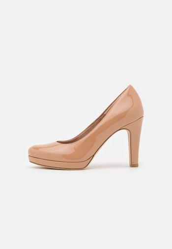 Platform heels - almond