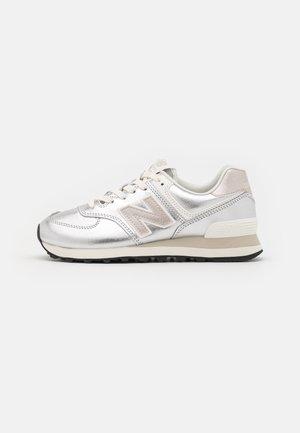 WL574 - Sneakers laag - light silver metallic