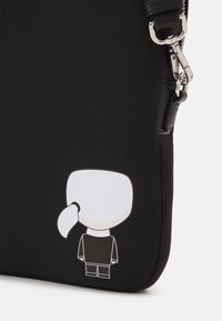 KARL LAGERFELD - IKONIK LAPTOP SLEEVE UNISEX - Laptop bag - black - 6