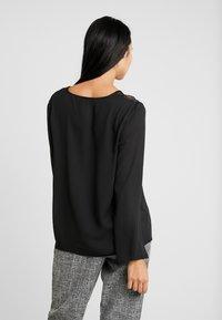 ONLY - ONLLOUISEPINAR - Bluse - black - 2