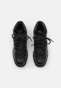 KARL LAGERFELD - KADET HIKER BOOT - Lace-up ankle boots - black - 4