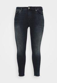 ONLY Carmakoma - CARWILLY LIFE RAW  - Jeans Skinny Fit - dark blue denim - 4