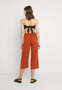 ONLY - ONLNOVA LIFE CROP PALAZZO PANT - Trousers - arabian spice - 2