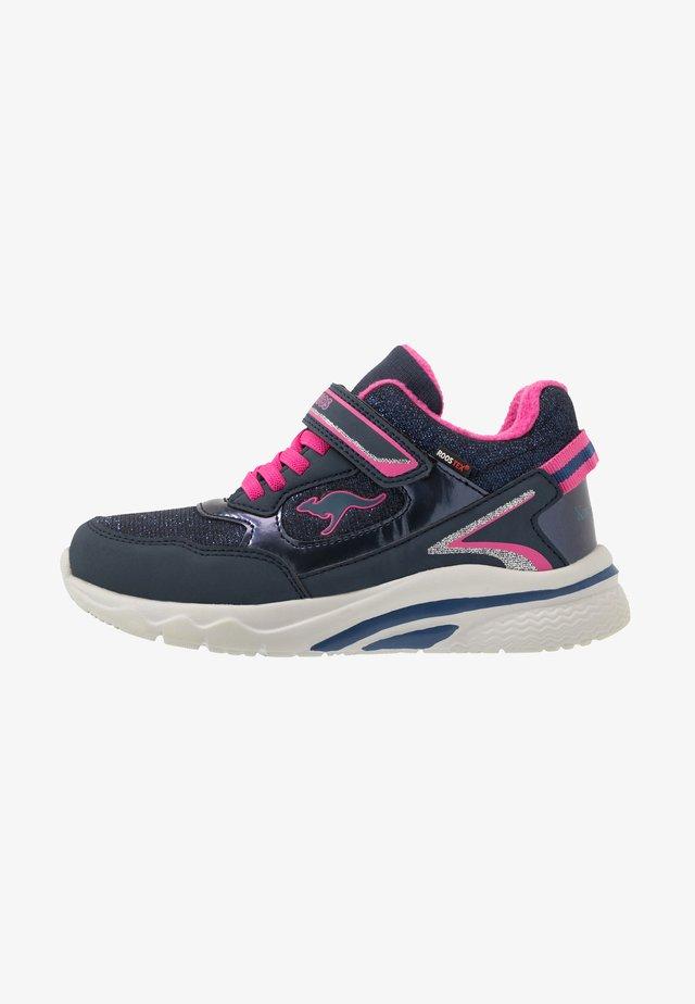 KK-DAISY RTX - Sneakersy niskie - dark navy/daisy pink
