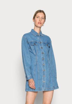 CONDITIONAL DRESS - Dongerikjole - blue denim