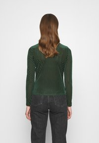 Monki - PIRA - Long sleeved top - green from last year - 2