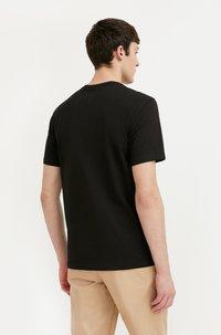 Finn Flare - Basic T-shirt - black - 2