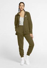 Nike Sportswear - HOODIE - Zip-up sweatshirt - olive flak/white - 1