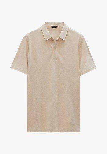 KURZÄRMELIGES OXFORD - Polo shirt - beige