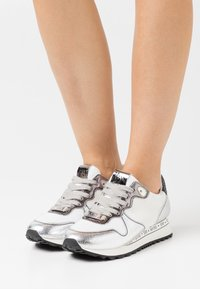 Steve Madden - REFORM - Sneakers laag - silver/multicolor - 0