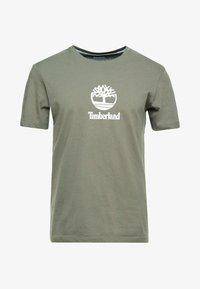 STACK LOGO TEE - T-shirt med print - grape leaf