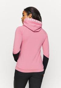 Peak Performance - RIDER HOOD - Sweatshirt - frosty rose - 2