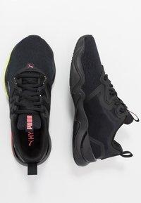 Puma - ZONE XT - Obuwie treningowe - black/ignite pink/silver - 1