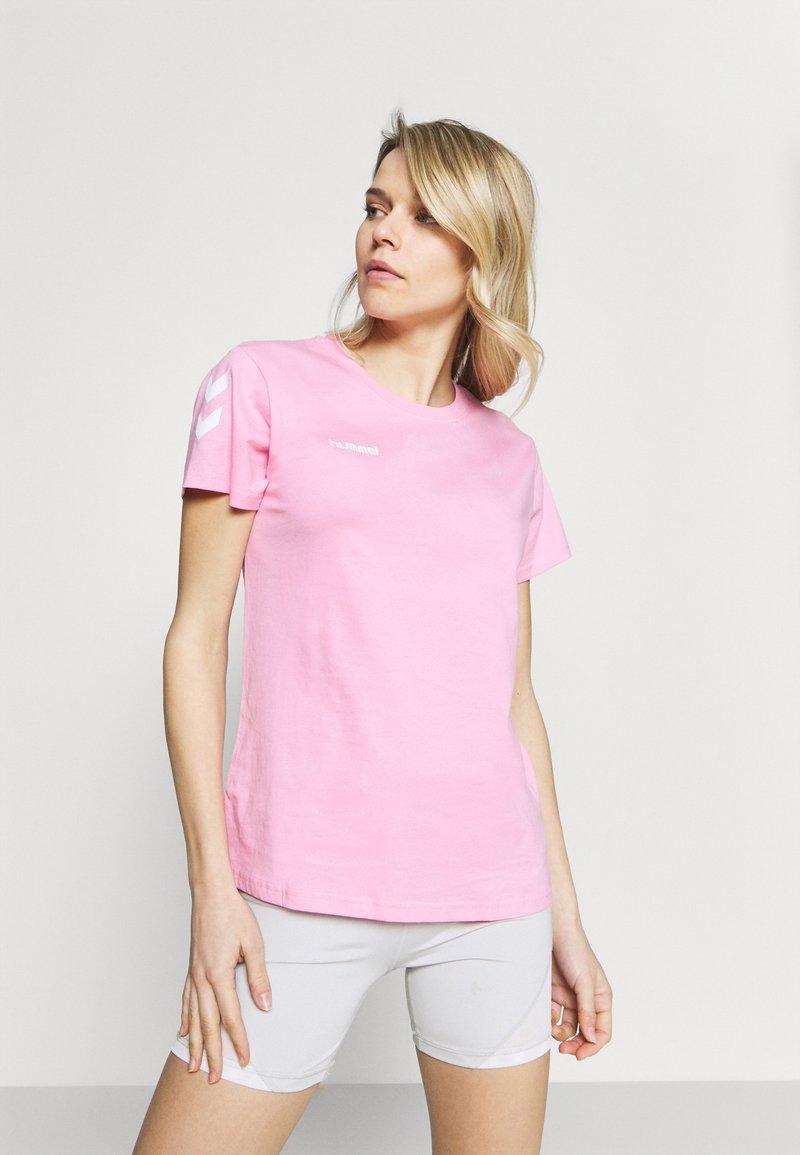 Hummel - GO WOMAN - T-shirts med print - candy