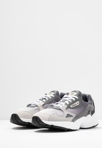 adidas Originals - FALCON - Sneakers - grey one/grey two/grey four - 4