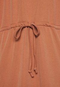 mbyM - HALLIMA - Jerseyjurk - copper brown - 6