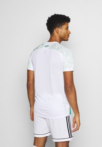Umbro - CHAPOCOENSE AWAY - Club wear - white/green - 2