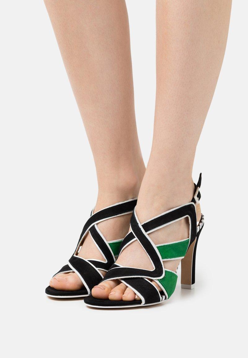 Cosmoparis - ZOLI - Sandals - noir/vert