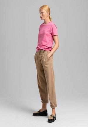 Print T-shirt - chateau rose