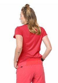 Jack Wolfskin - NARROWS - Print T-shirt - tulip red - 1