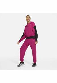 Nike Sportswear - HOODIE - Felpa - fireberry/black/(white) - 1
