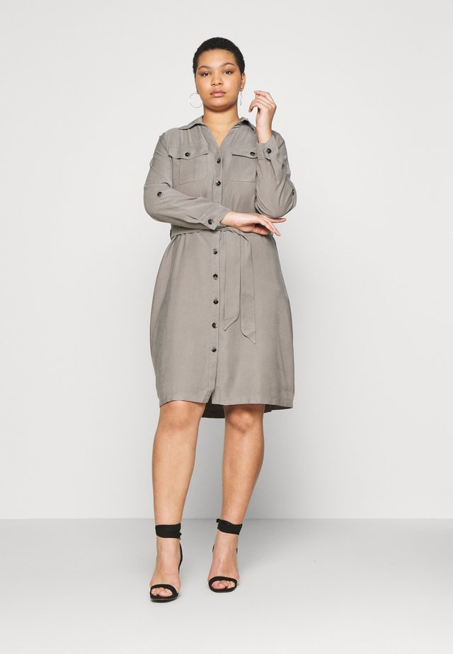 CURVE UTILITY DRESS - Skjortklänning - khaki