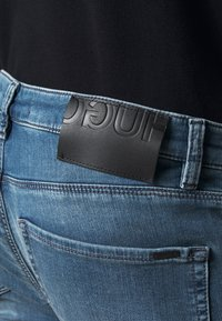 HUGO - Džíny Straight Fit - medium blue - 5